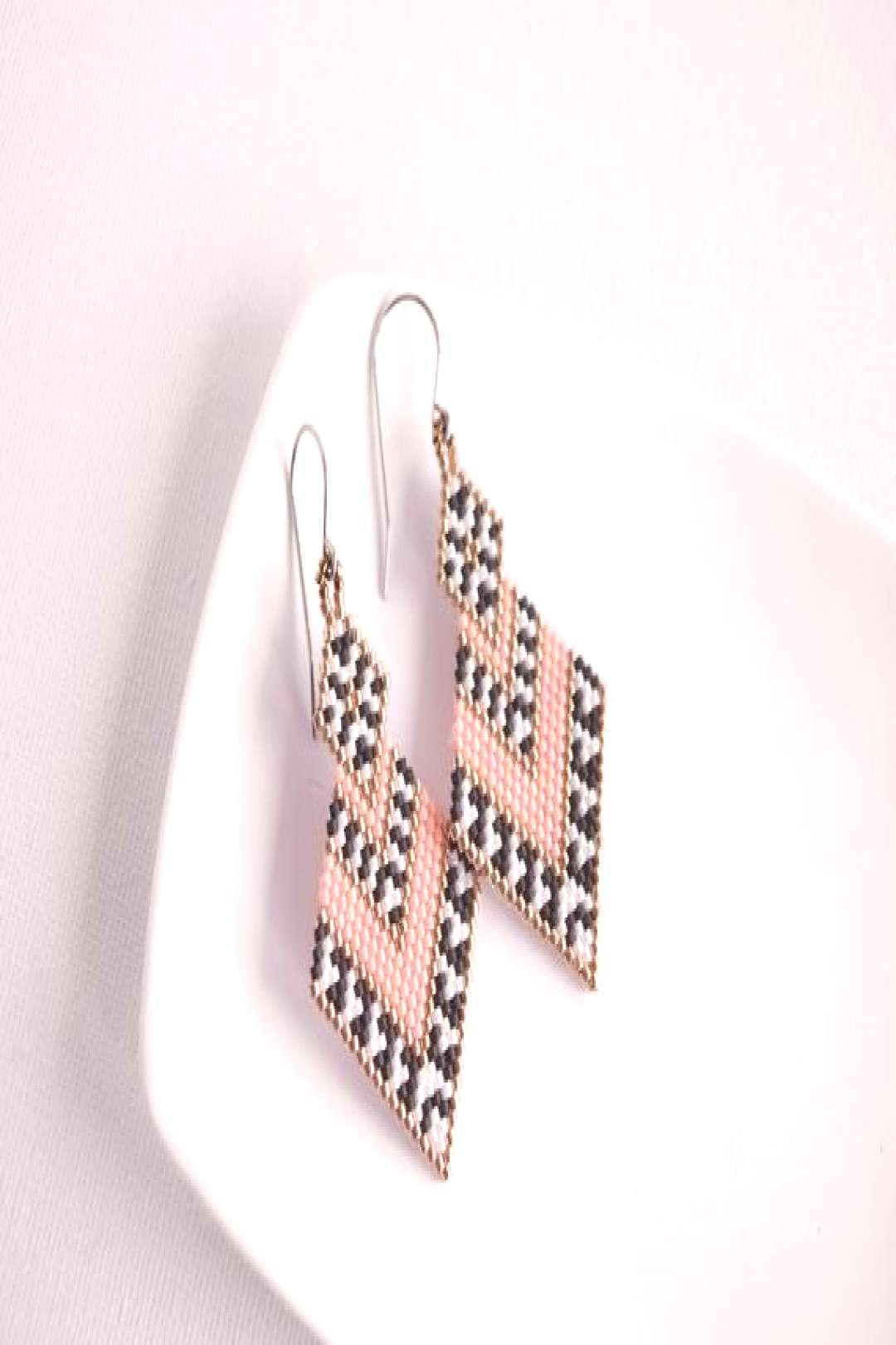 ❣️ Coral pink, black and white earrings. Very lightweight. FREE WORLDWIDE SHIPPING by Russian p