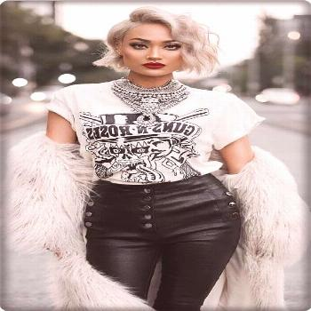 2019 Best Street Style Women ideas. Short blond hair, leather pants and T-shirt combination. ... 20