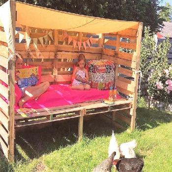 30 Awesome DIY Ideas for Reusing Old Shipping Pallets - When its time for the kids summer vacations