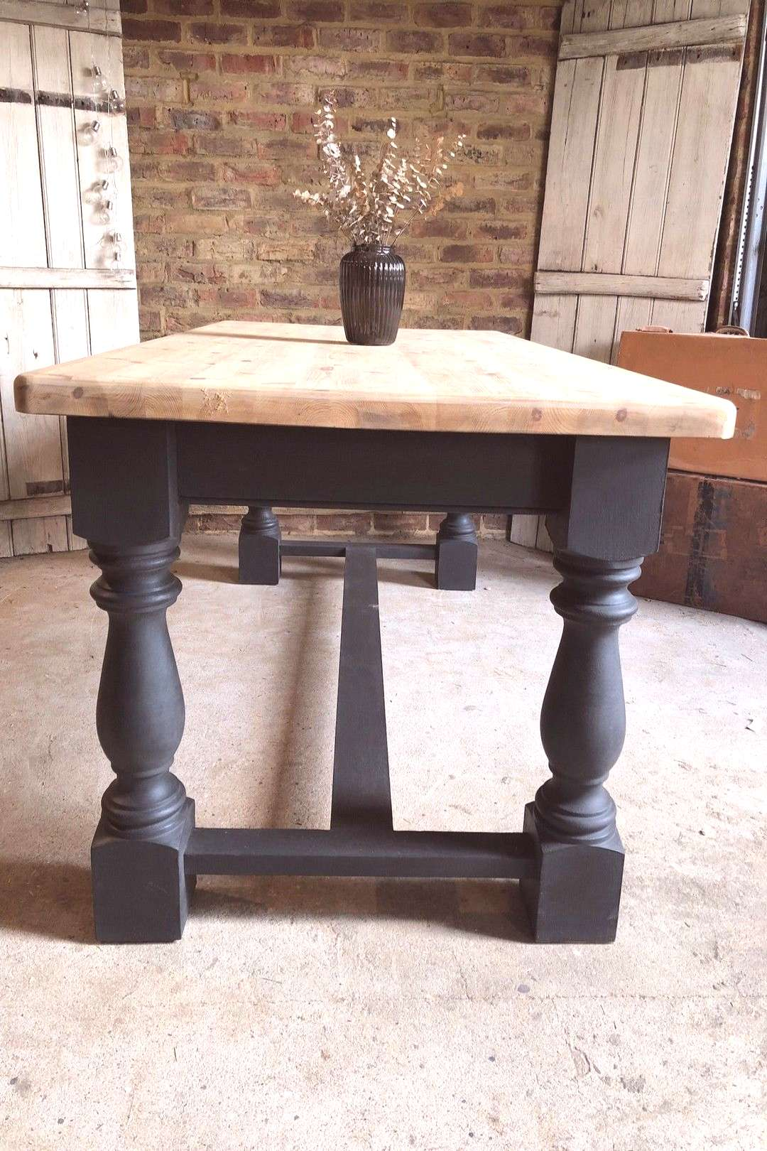 82 The Everly Large Farmhouse Dining Table Table monastère