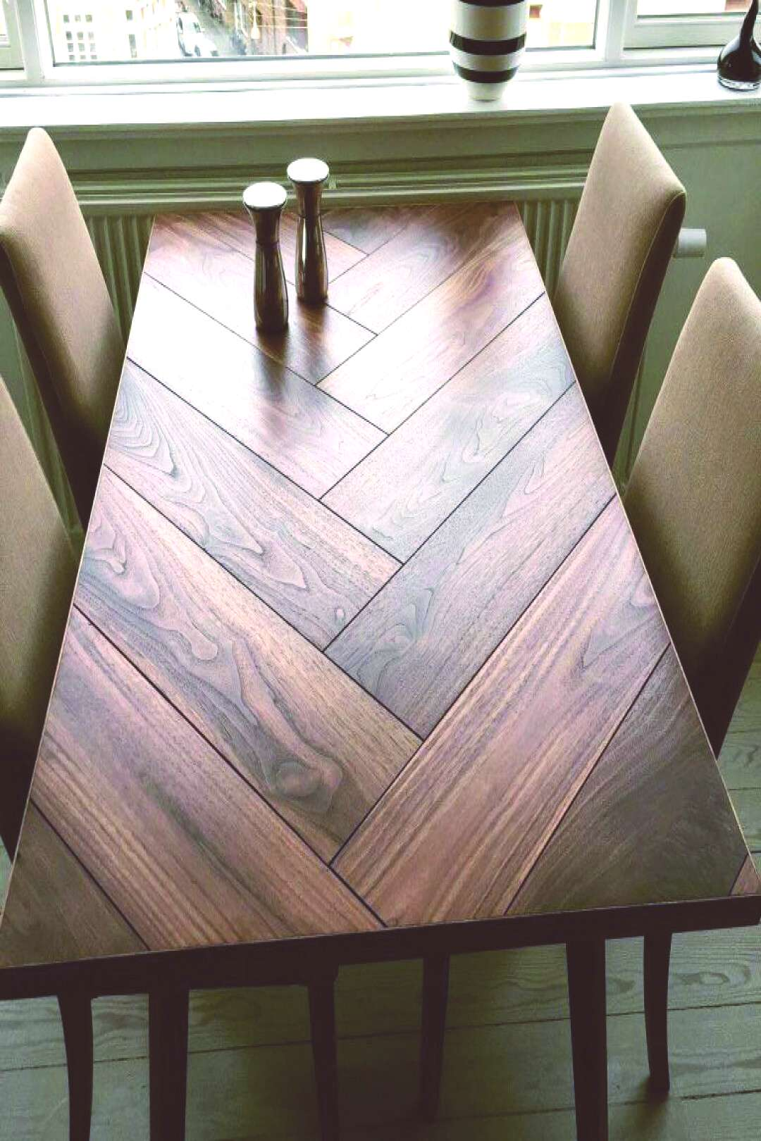 Fashionable pictures of farm tables that will impress you