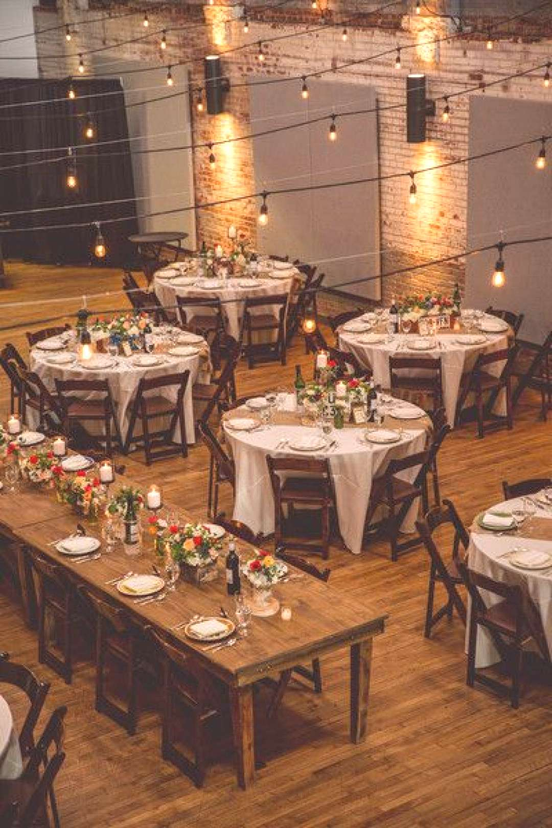 mix of farm tables and linened tabls