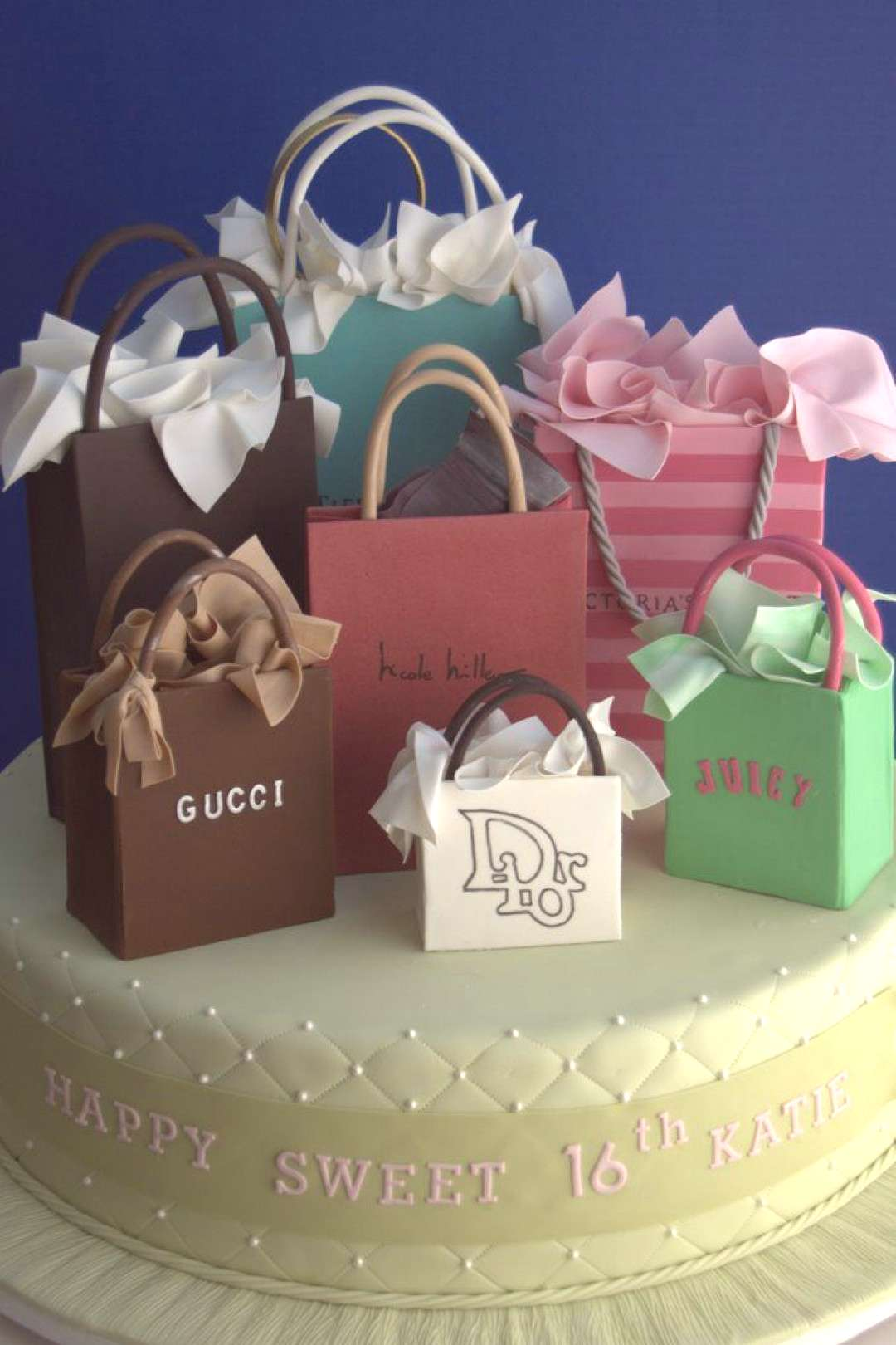 Shop for top fashion 2015 Gucci Bags Purse with wholesale prices! I love these Bags.
