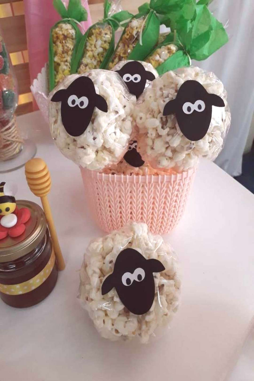 The sheep popcorn at this farm themed birthday party are so cool! See more party...